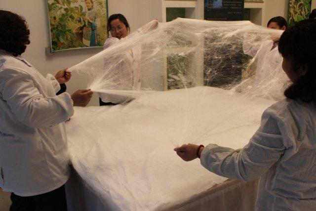 fabrication d'une couette en soie